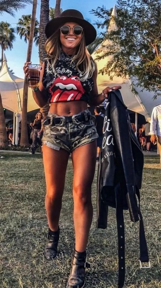 Best casual festival looks with shorts - edgy looks for summer