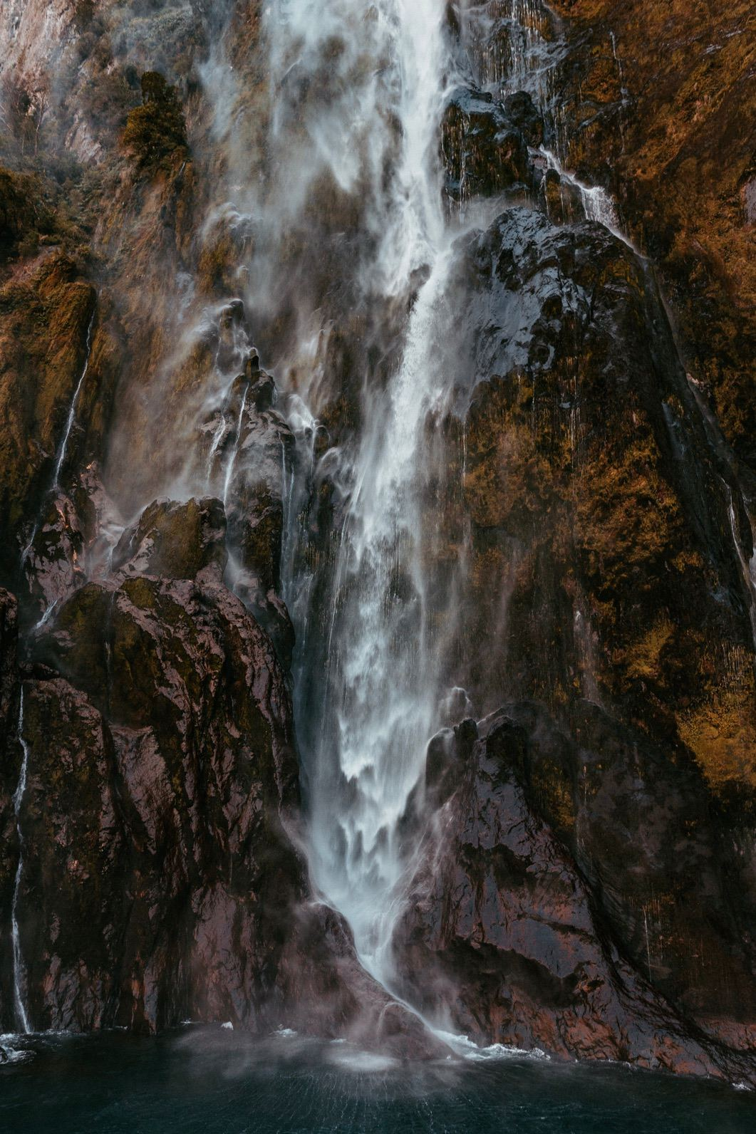 Beautiful nature wallpapers for iPhone with waterfall