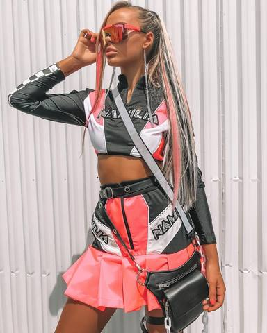 Best rave outfits and music festival outfits for summer with neon color