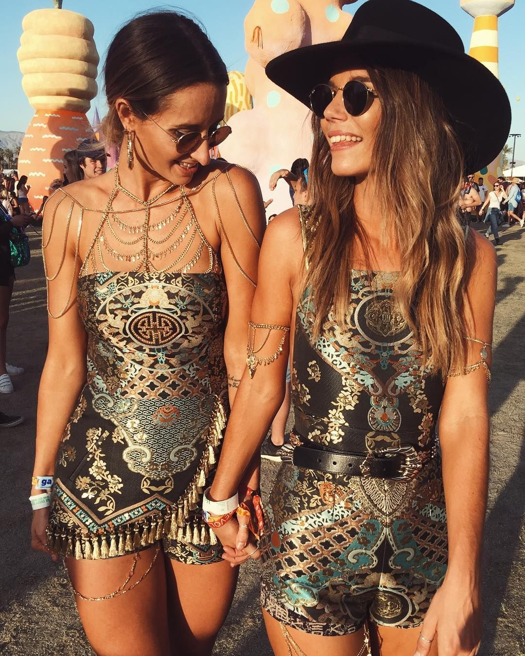Duo festival outfits for best friends