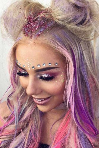 Best festival makeup looks and pink festival hair ideas