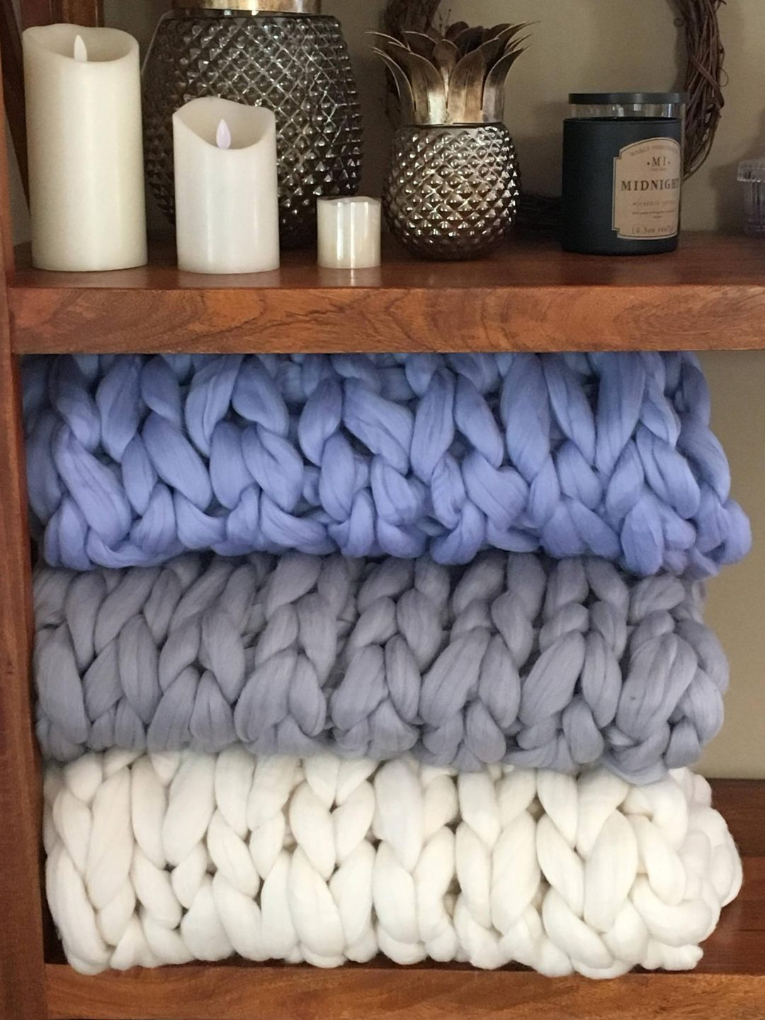 The best chunky knit blanket - white, grey and blue chunky knit throw