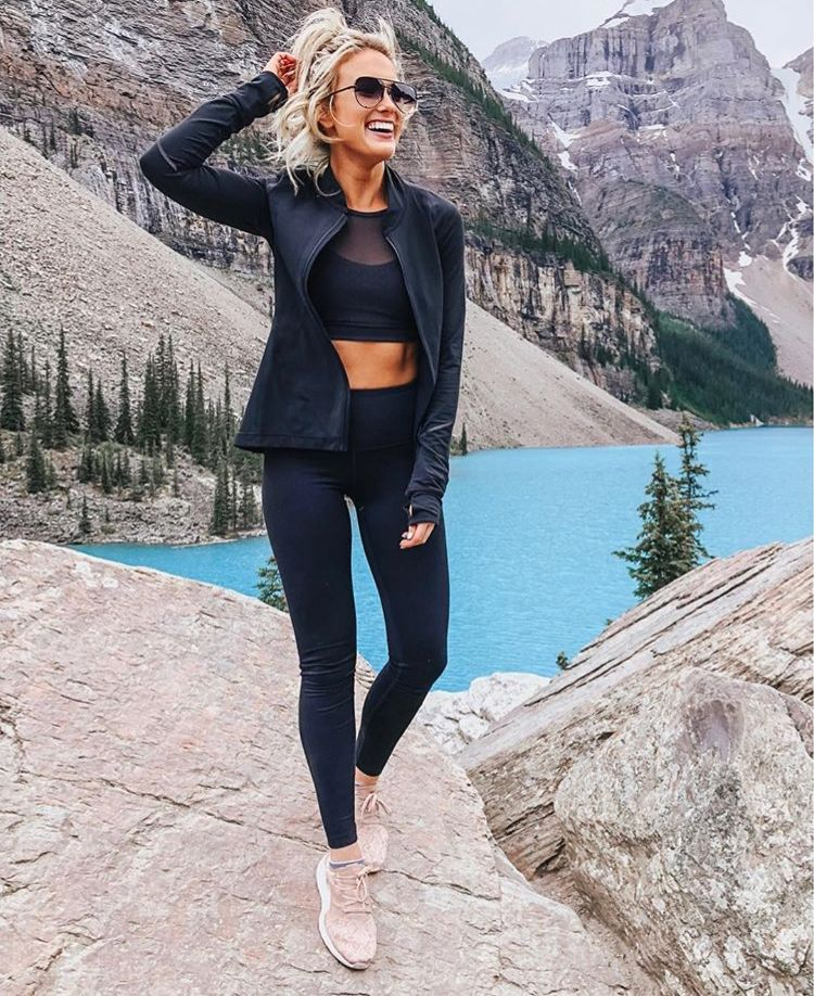 Cute hiking outfits for summer