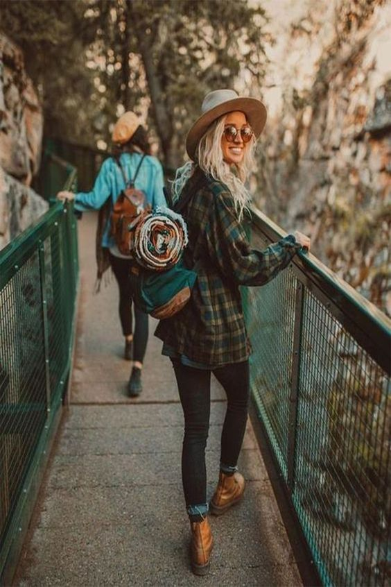 Cute summer hiking outfits