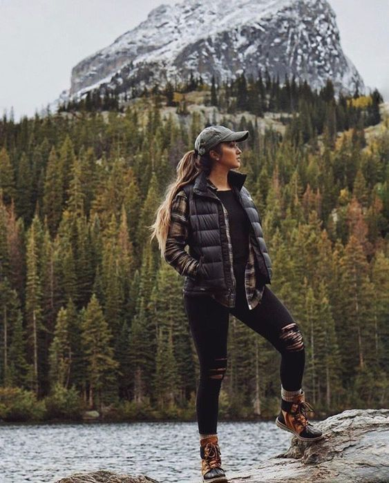 Cute hiking outfits, fall hiking outfit ideas for camping