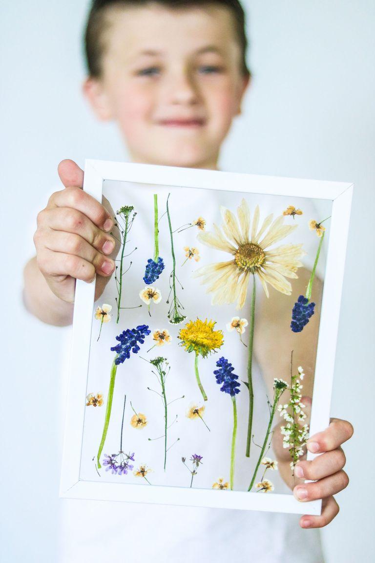 Easy Mother's Day Crafts For Kids: Framed Pressed Flowers
