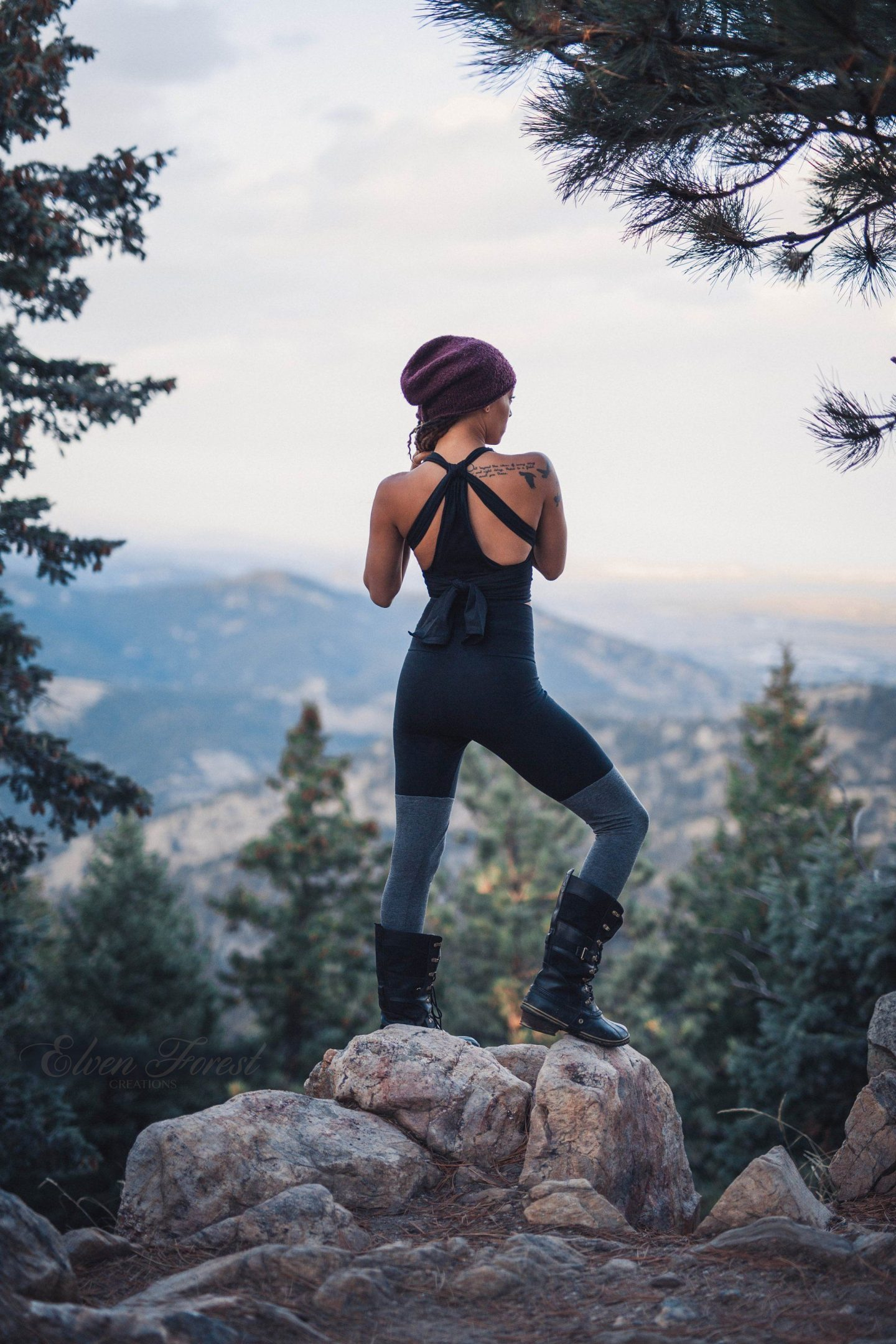 Summer hiking outfit with leggings