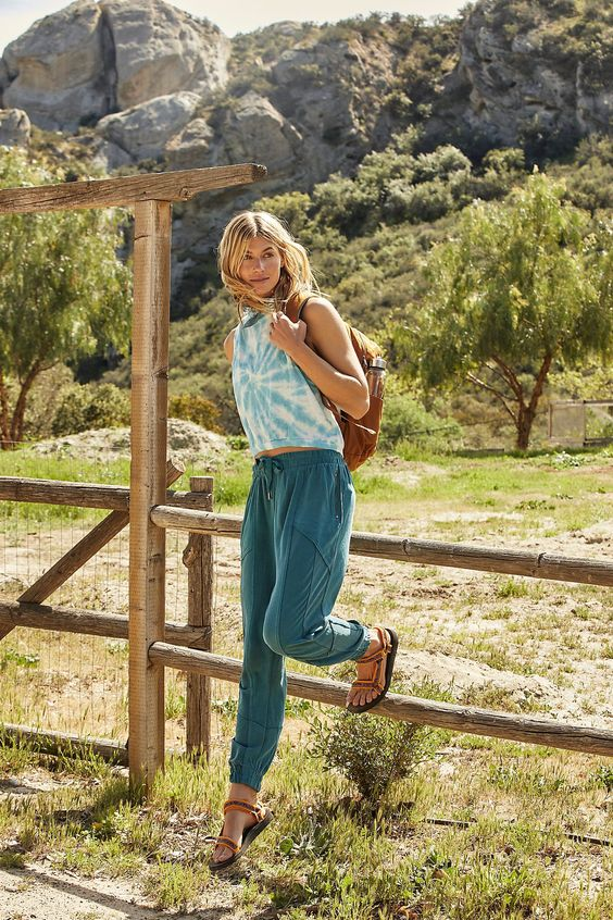 Cute hiking outfits, summer hiking outfits