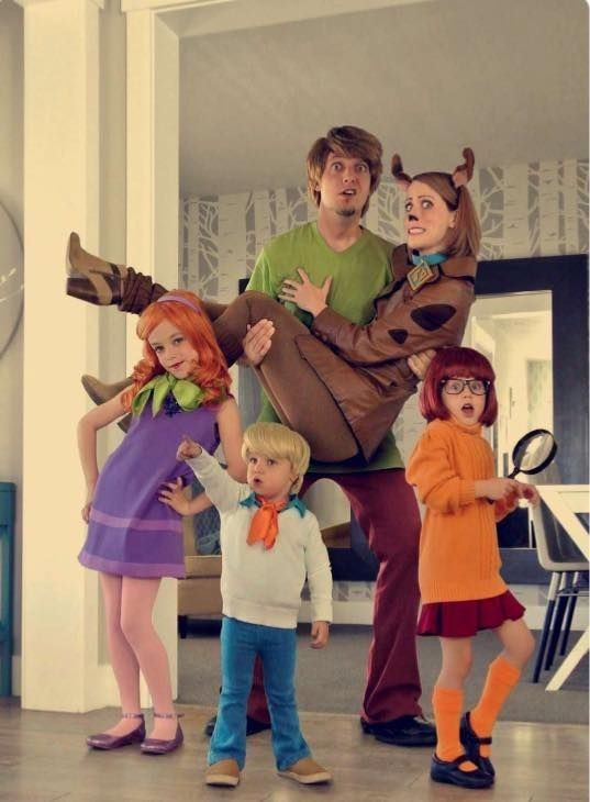 Scooby Doo Family costume with kids