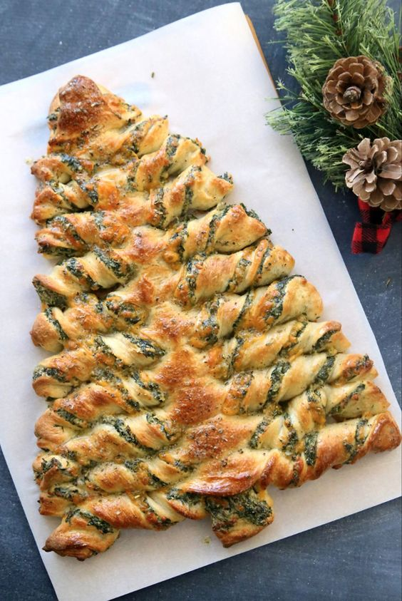 Cute festive Christmas appetizers: Christmas Tree Spinach Dip Breadsticks