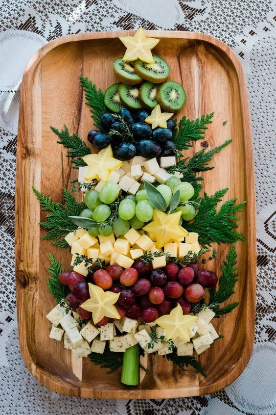 Cute festive Christmas appetizers: Christmas Tree Cheese Board