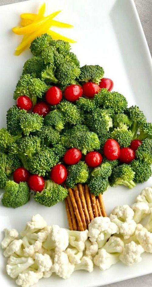 Cute festive Christmas appetizers: Healthy Christmas Tree Vegetable Platter