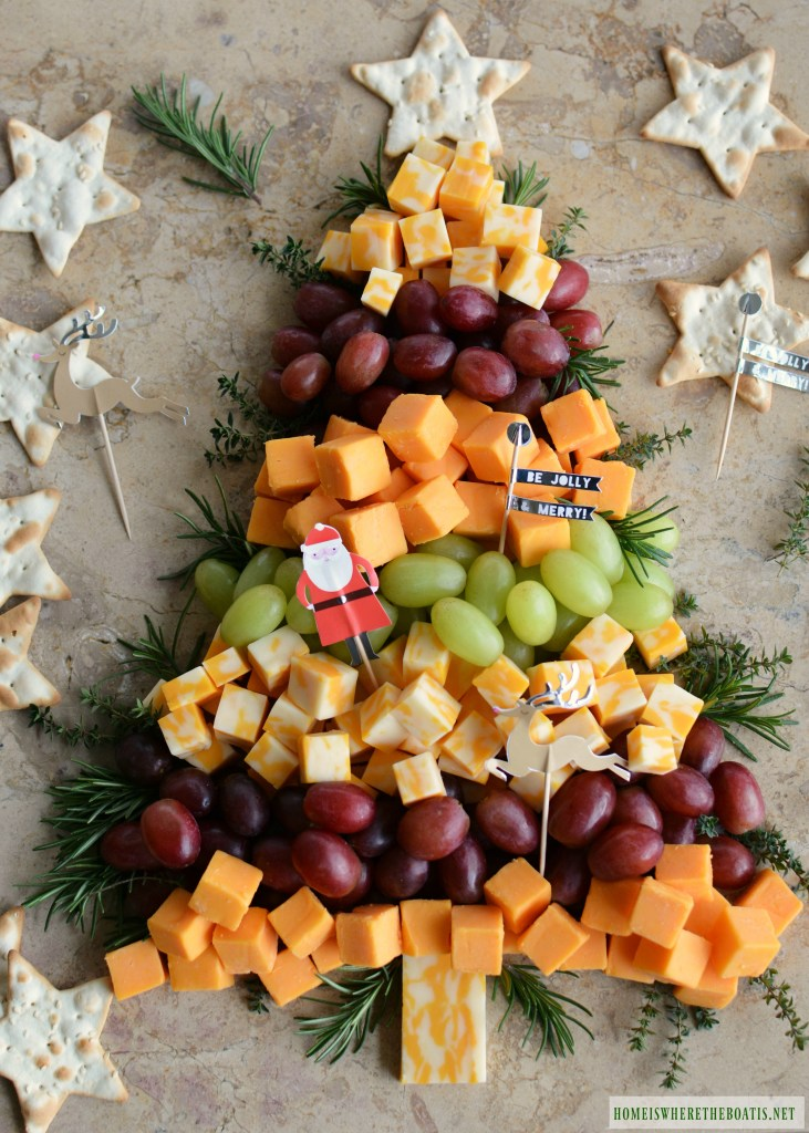 Cute festive Christmas appetizers: Easy Christmas Tree Cheese Board