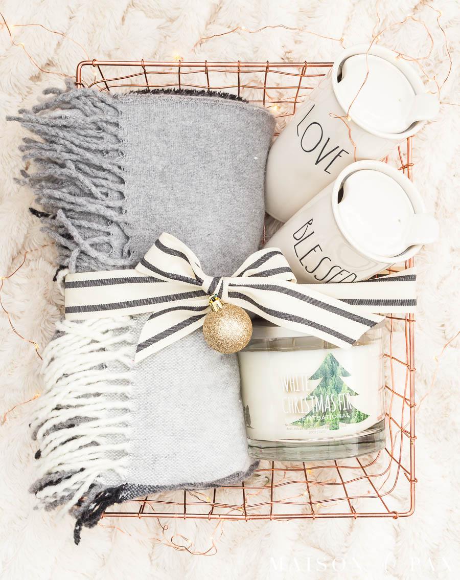Easy DIY Christmas Gift Basket