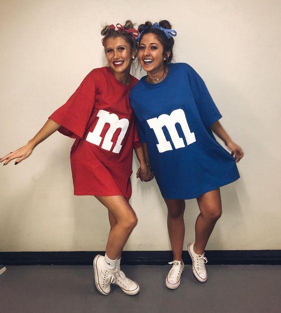Cute duo Halloween costumes for besties