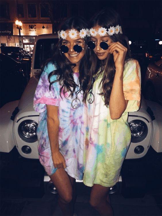Bff Halloween costumes, cute Halloween costumes, cute BFF costumes, bestie Halloween costumes - hippies