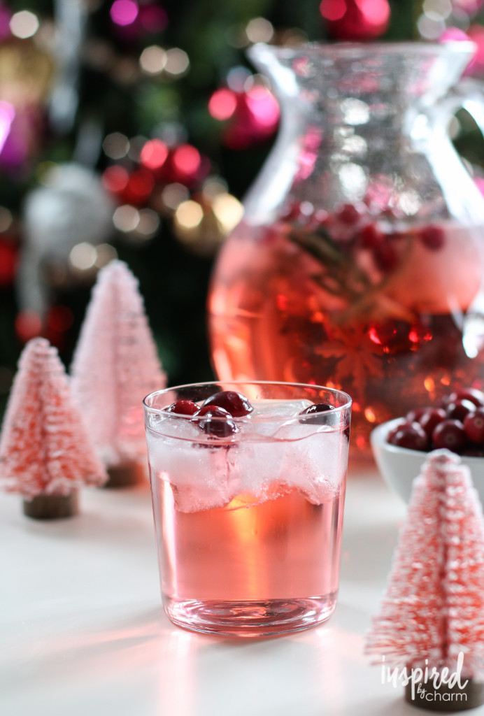 Easy Christmas cocktails: Jingle Juice Holiday Punch