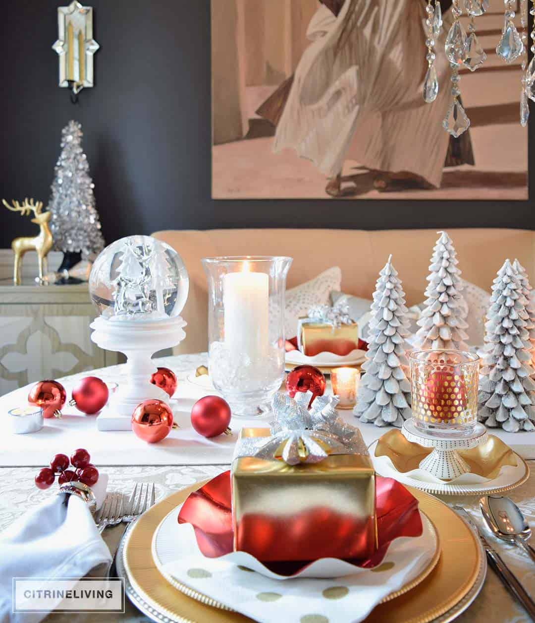 Red, White & Gold Holiday Tablescapes