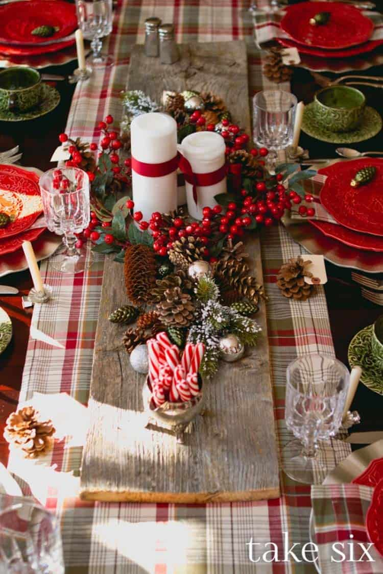 Classic Red Holiday Tablescapes
