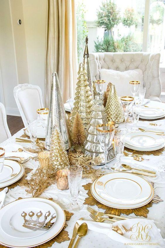 Elegant Gold Christmas Tablescapes