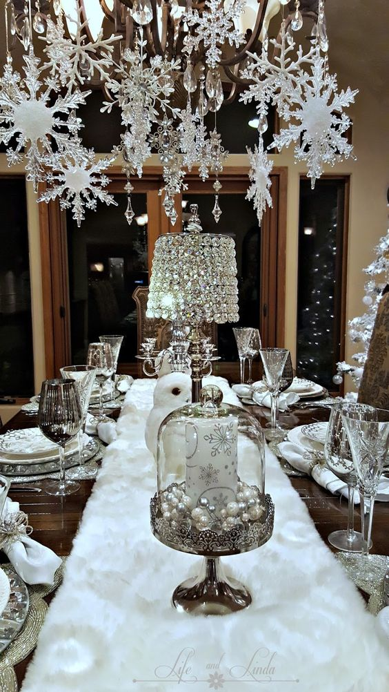 Elegant White Snowflakes and Baubles Christmas Table Settings