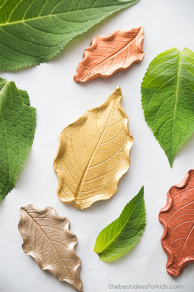 Easy fall crafts for adults: Leaf Clay Dish