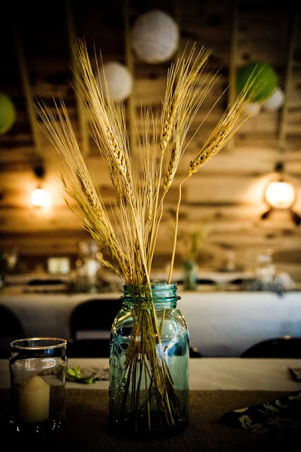 Best fall crafts for adults: Wheat Centerpiece