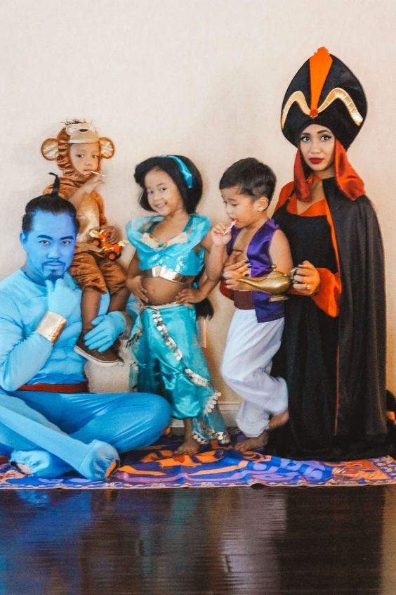 Aladdin family halloween costumes
