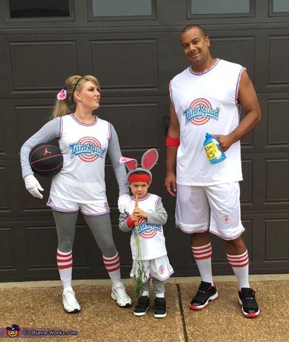 Looney Tunes family costumes