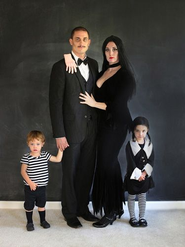 The Addams family halloween costumes with toddlers