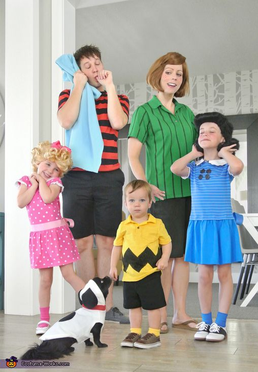 Best family Halloween costumes with Peanut gang, toddlers and baby