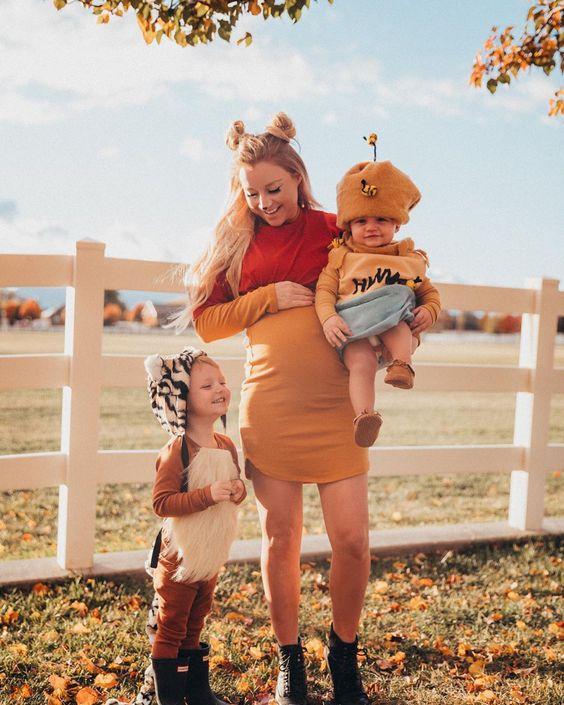 Winnie the pooh family halloween costumes with baby