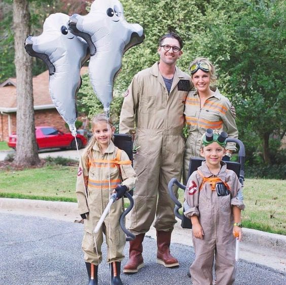 Ghostbusters family costume - best family Halloween costumes