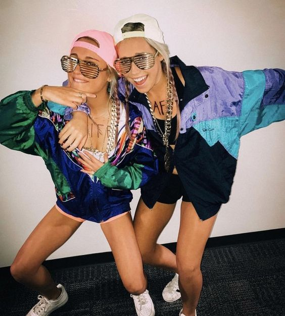 Cool and creative Halloween costumes - hiphop gangsters