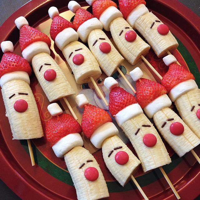 Cute Christmas Snacks: Banana Skewers