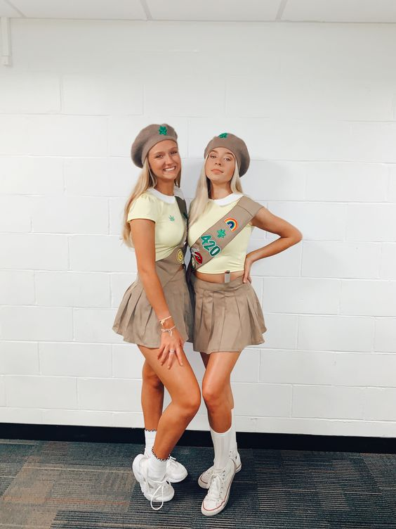 Cute college Halloween costumes: Girl Scouts costume