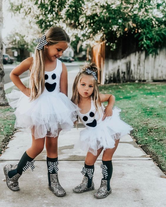Cute kids Halloween costumes for sisters