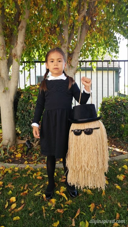 Kids DIY Halloween costume - Wednesday Addams and Cousin It from Addams Family