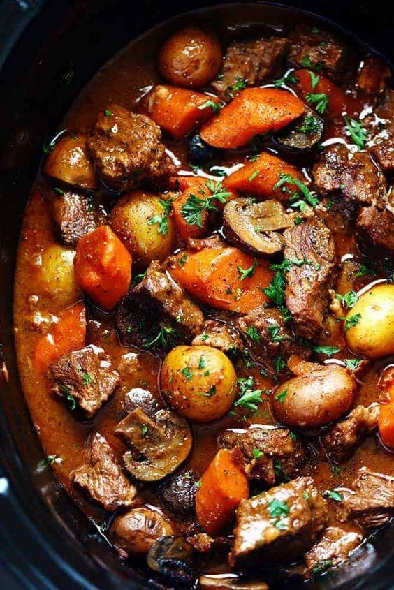Best Fall Crockpot Recipes: Slow Cooker Beef Bourguignon