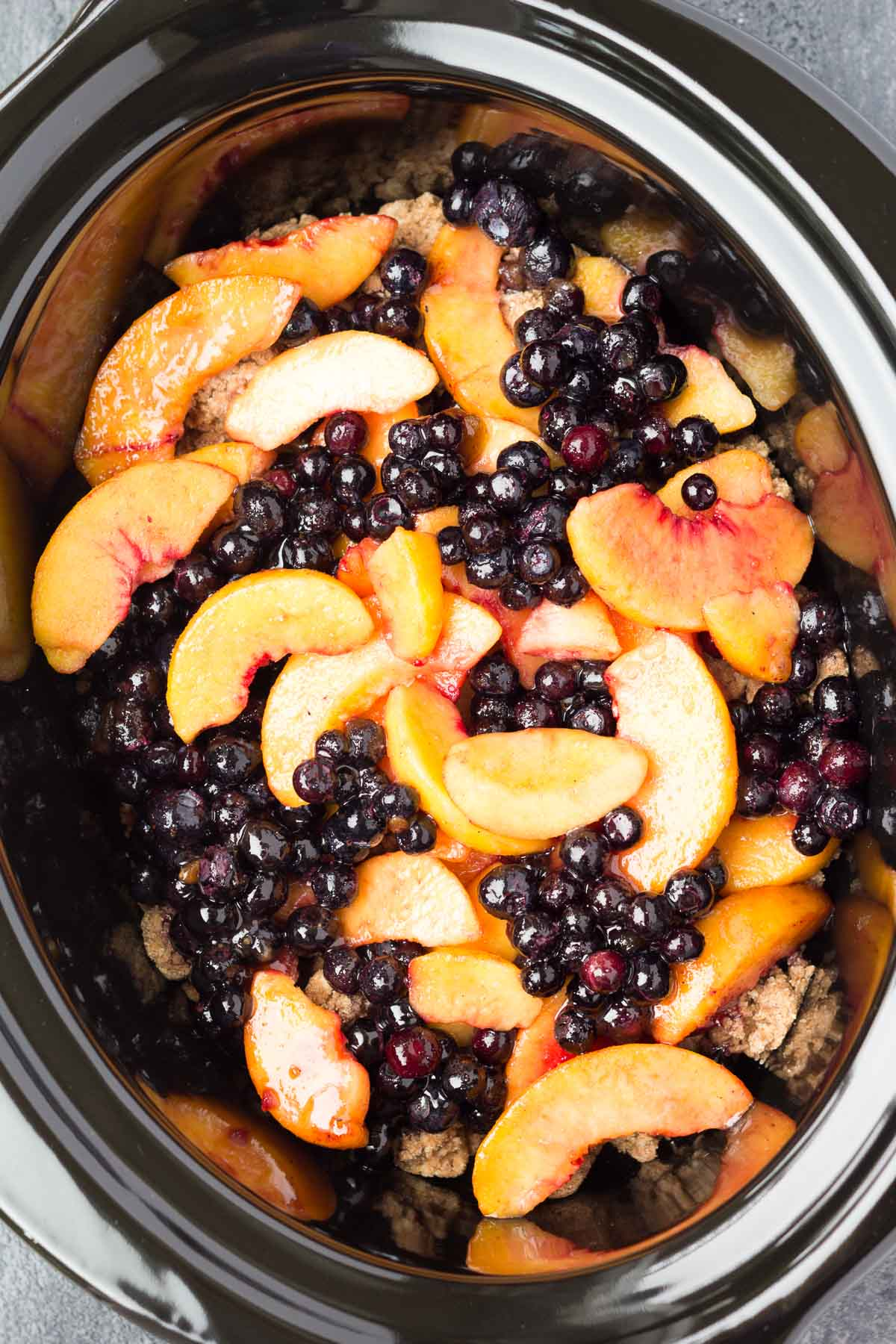 Crockpot Blueberry Peach Cobbler