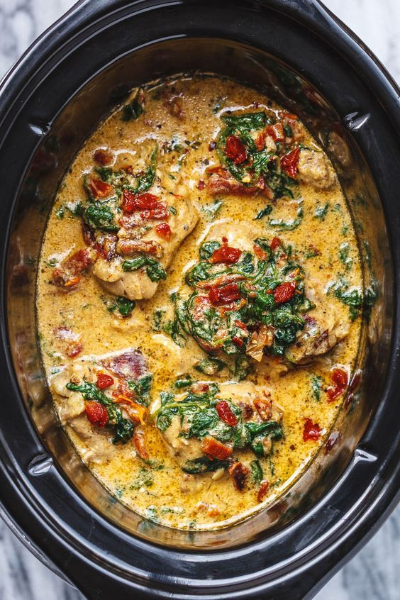 Tuscan Garlic Chicken With Spinach & Sun-Dried Tomatoes