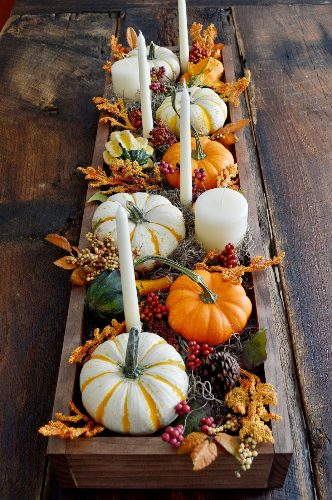Easy DIY pumpkin centerpiece for Thanksgiving with candles