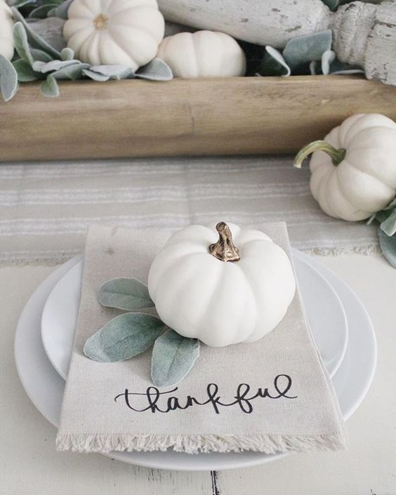 Easy and elegant Thanksgiving table settings with white pumpkins