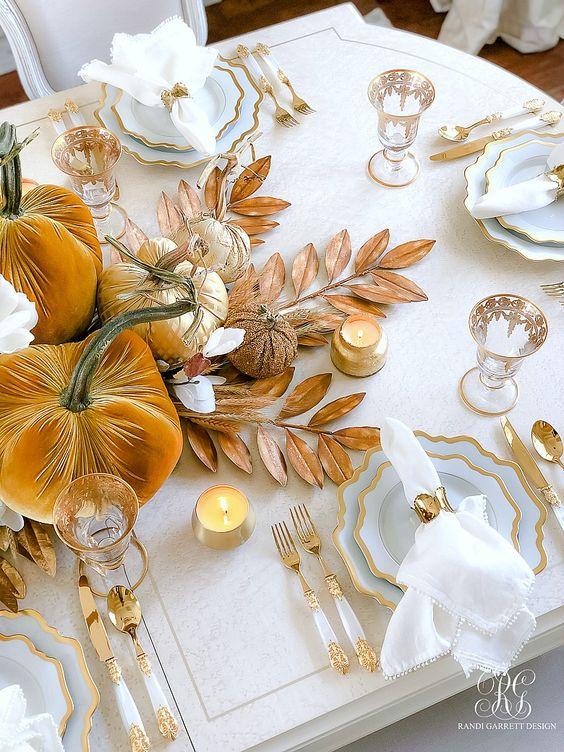 Pumpkin centerpiece ideas for Thanksgiving