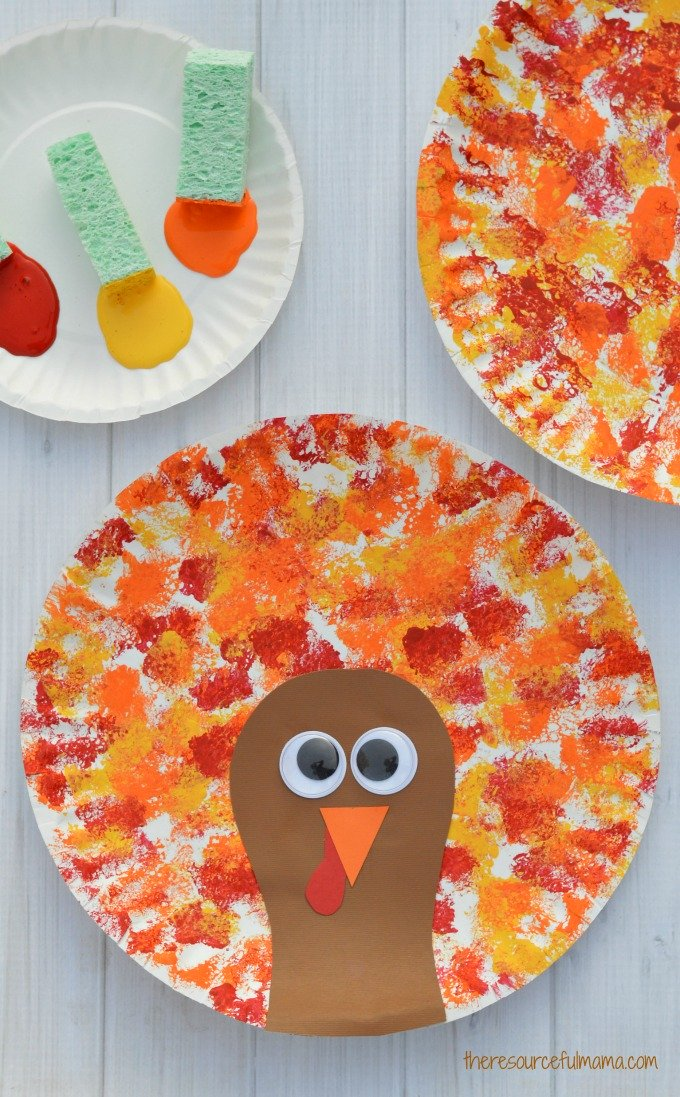 Easy Thanksgiving crafts for kids: Sponged Painted Thanksgiving Turkey