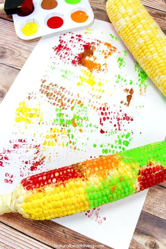 Easy Thanksgiving crafts for kids: Corn Cob Craft Painting