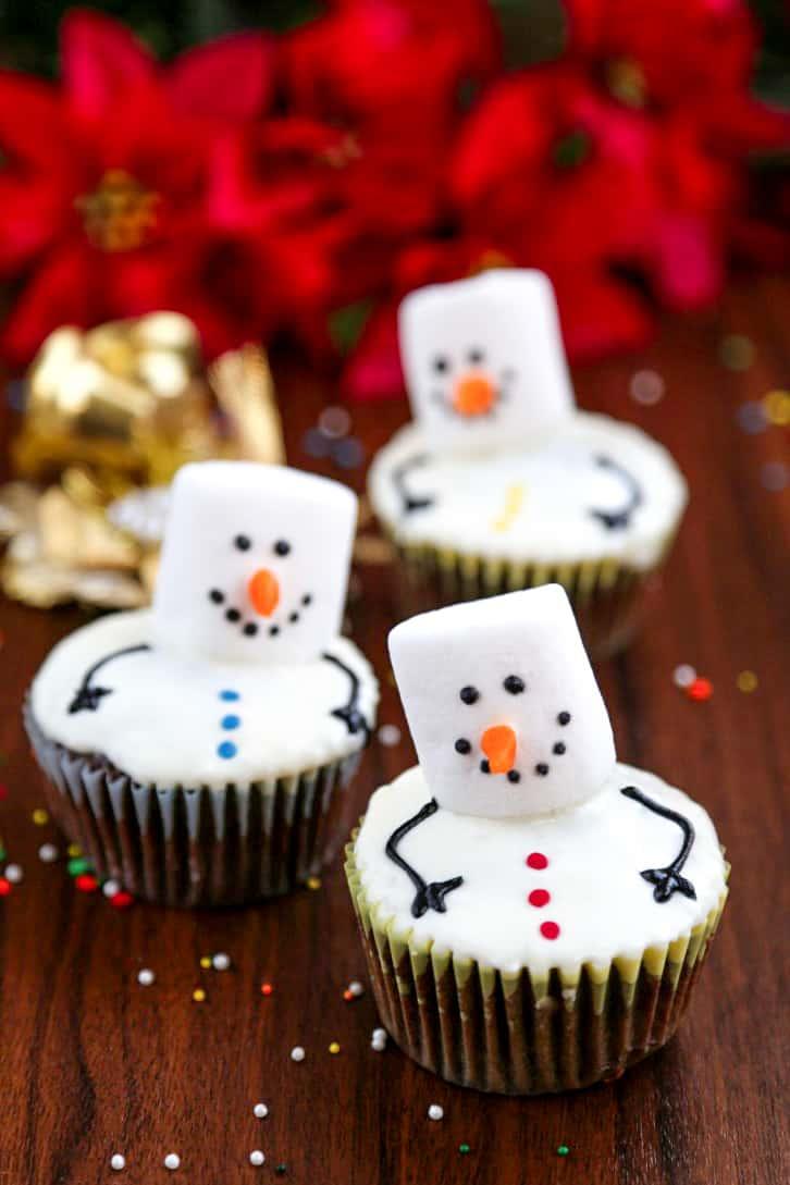 Easy Christmas treats: Snowman Marshmallow Cupcakes