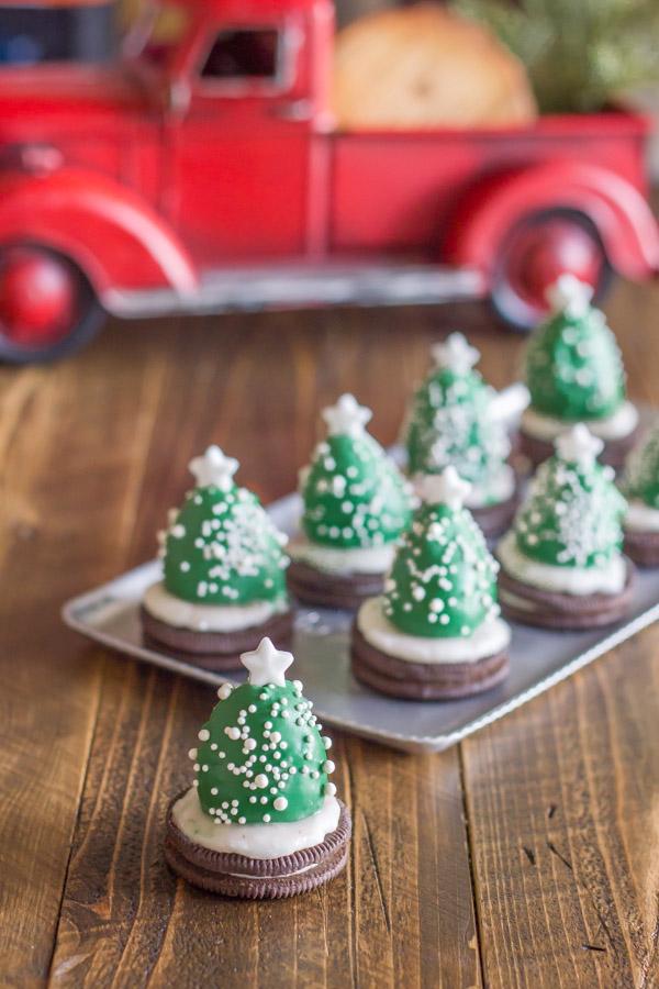 Easy Christmas treats: Chocolate Covered Strawberry Christmas Tree Cookies
