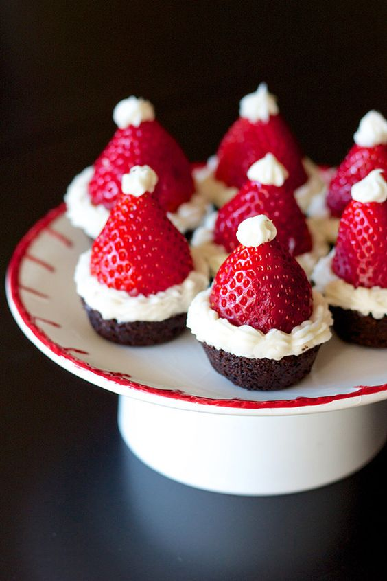 Easy Christmas treats: Santa Hat Brownie Bites