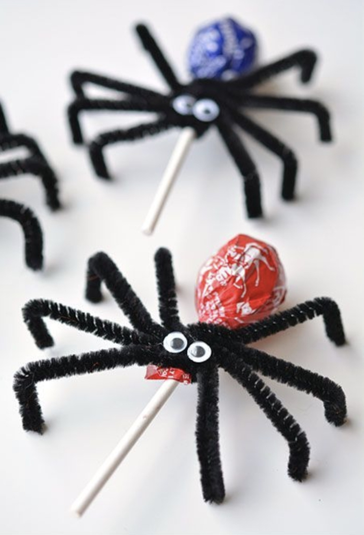Easy Halloween Crafts For Kids: Lolly Pop Spiders
